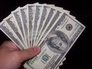 772351_100_dollar_bills_1.jpg